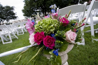 cheap wedding flowers tips tricks big wedding tiny budgetbig